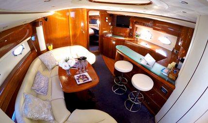 Manzana Charter Yacht - 7