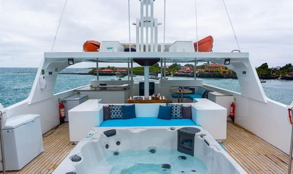 Grand Daphne Charter Yacht - 2