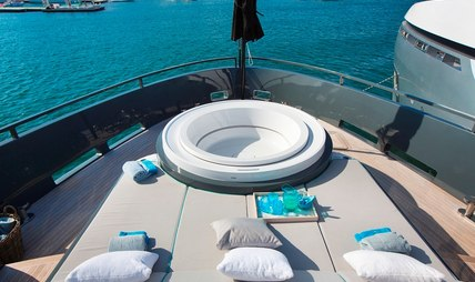 Tortoise Charter Yacht - 3