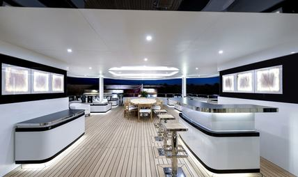 Liquid Sky Charter Yacht - 4