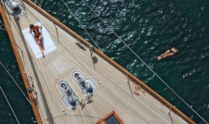 Gweilo Charter Yacht - 2