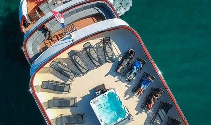 Yolo Charter Yacht - 3