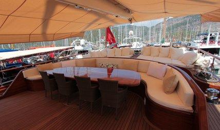 Carpe Diem V Charter Yacht - 4