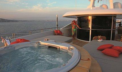 2 Ladies Charter Yacht - 3