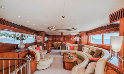 Beija Flore Charter Yacht - 5