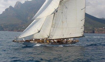Moonbeam IV Charter Yacht - 2