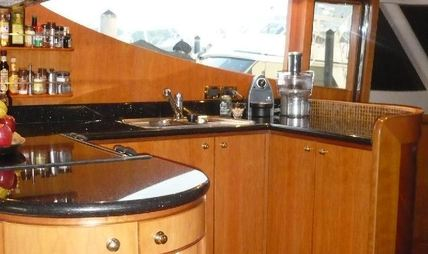 Lady Margaret Charter Yacht - 8