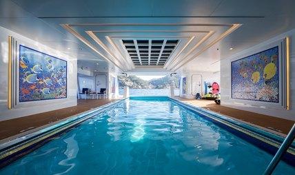 Queen Miri Charter Yacht - 3