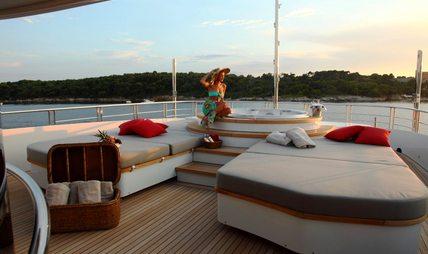 2 Ladies Charter Yacht - 4