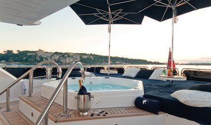 Black and White Charter Yacht - 3