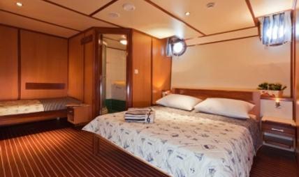 Amorena Charter Yacht - 6