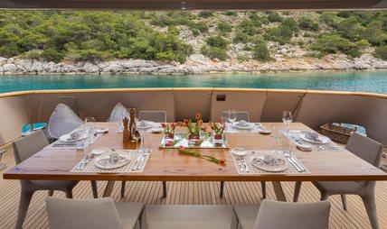 Christina V Charter Yacht - 4