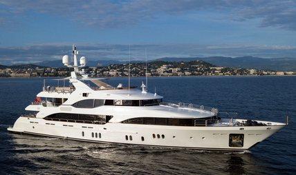 Hom Charter Yacht