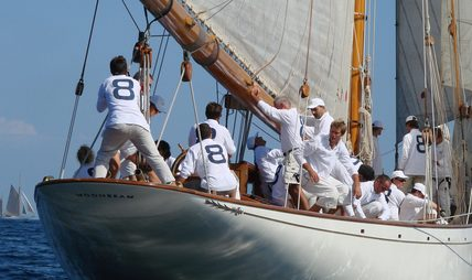 Moonbeam IV Charter Yacht - 4