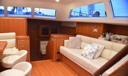 Terra Di Mezzo Charter Yacht - 7