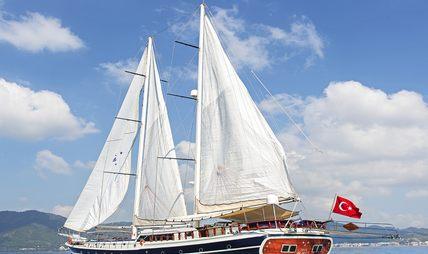 Perla Del Mar II Charter Yacht - 5