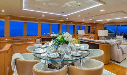 DB9 Charter Yacht - 8
