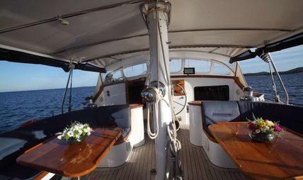 Free Wings Charter Yacht - 4