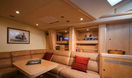 Dama de Noche Charter Yacht - 4