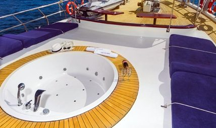 Perla Del Mar II Charter Yacht - 3