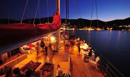Casa Dell Arte II Charter Yacht - 5