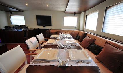 Casa Dell Arte II Charter Yacht - 8