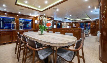 De De Charter Yacht - 8