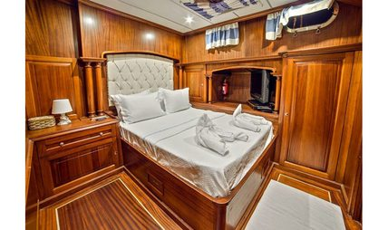 Dea Del Mare Charter Yacht - 8