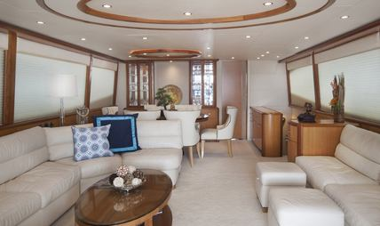 Living the Dream Charter Yacht - 6