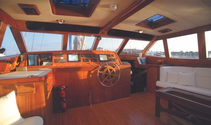 Free Wings Charter Yacht - 6