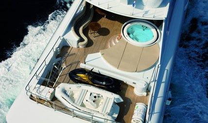 Mac Brew Charter Yacht - 4