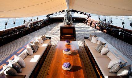 Dunia Baru Charter Yacht - 2