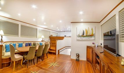Bellamare Charter Yacht - 7