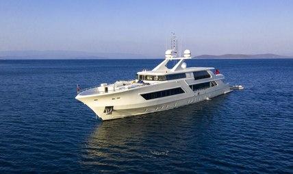 Vetro Charter Yacht