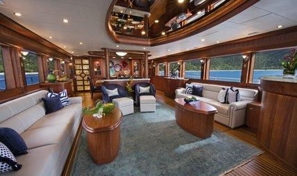She's A Peach Charter Yacht - 6