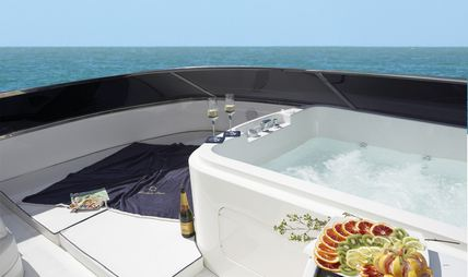Jackie One Charter Yacht - 3