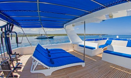 Tip Top IV Charter Yacht - 3