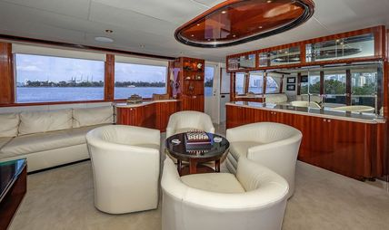 IV Tranquility Charter Yacht - 7