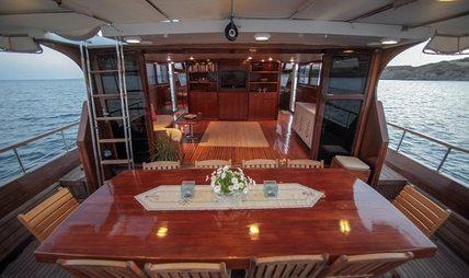 Golden Glory Charter Yacht - 4