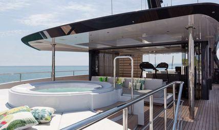 Quinta Essentia Charter Yacht - 2