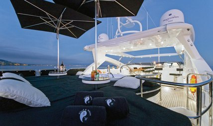 Black and White Charter Yacht - 2