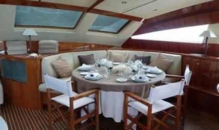 Sur L'eau Charter Yacht - 8