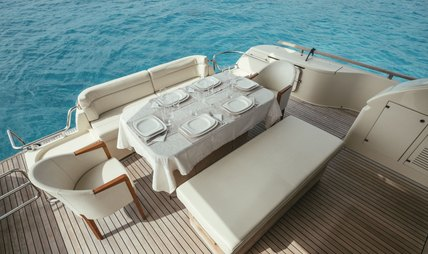 To Escape Charter Yacht - 4