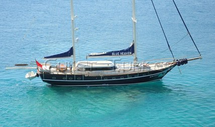Blue Heaven Charter Yacht - 5