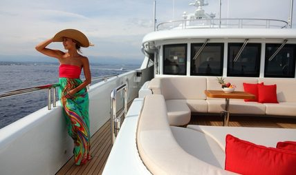 2 Ladies Charter Yacht - 2