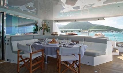 Sur L'eau Charter Yacht - 6
