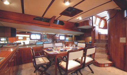 Free Wings Charter Yacht - 8