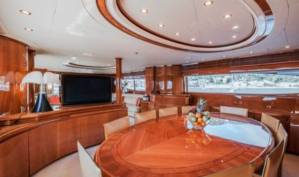 Beija Flore Charter Yacht - 8