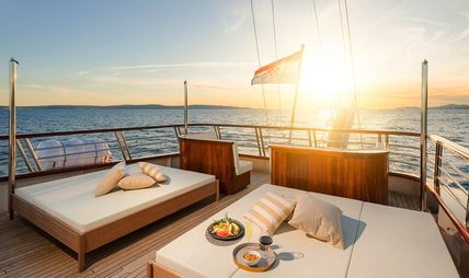 Son De Mar Charter Yacht - 5