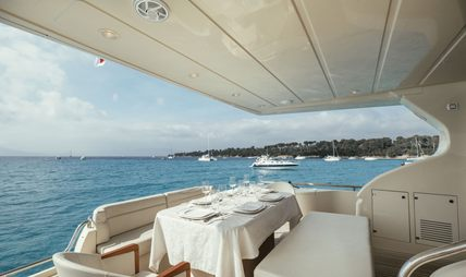 To Escape Charter Yacht - 6